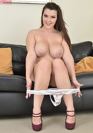 Naked Teen Undressing Porn Pictures