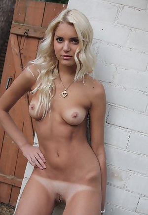 Naked Tanned Teen Porn Pictures