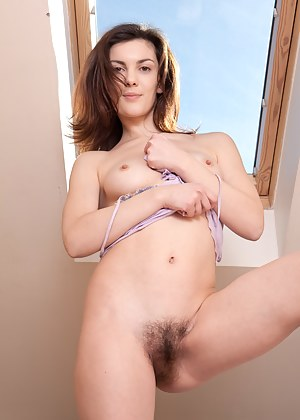 Naked Teen Beauty Porn Pictures