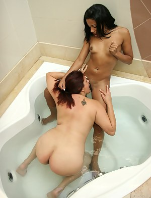 Naked Lesbian Teen Interracial Porn Pictures